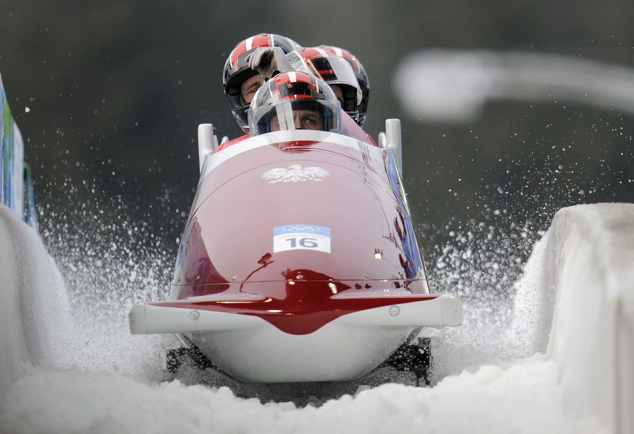 Chorążym został bobsleista Dawid Kupczyk /Matt Campbell /PAP/EPA