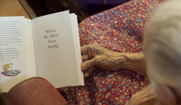 Choroba Alzheimera dotyczy nie tylko ludzi starych /AFP