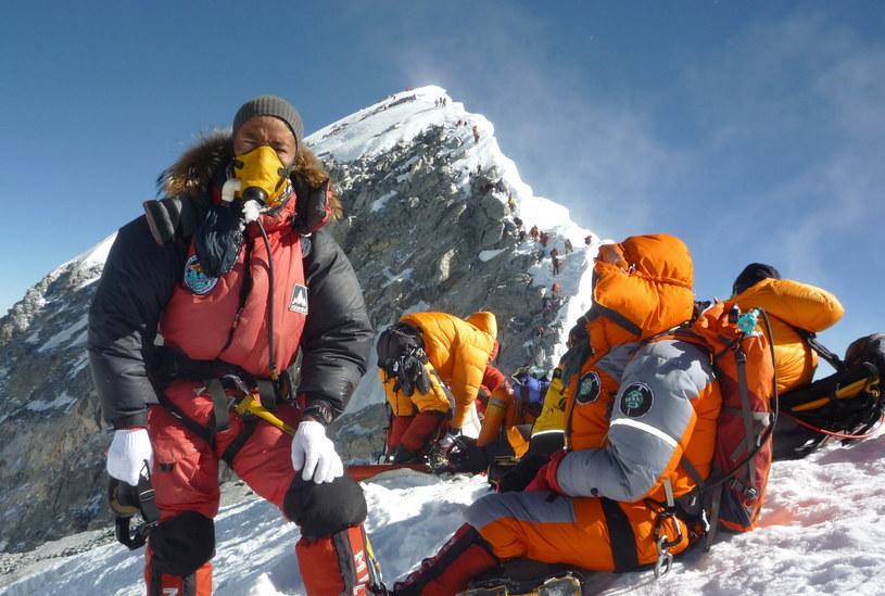 Choroba wysokościowa jest jednym z największych niebezpieczeństw, na jakie narażeni są himalaiści /AFP