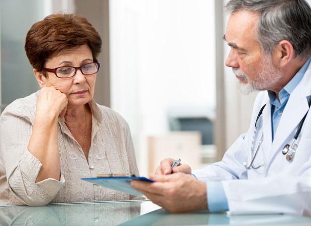 Chorobę Alzheimera wywołuje wiele czynników /123RF/PICSEL