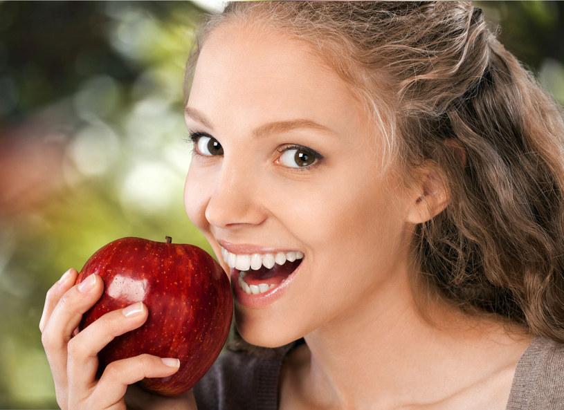 Choroby dziąseł to oprócz próchnicy najpowszechniejsze schorzenia jamy ustnej /Picsel /123RF/PICSEL