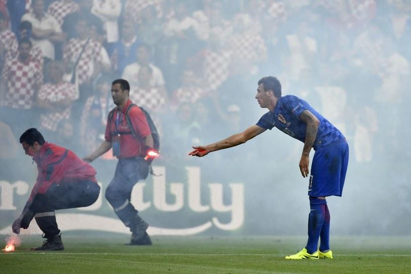 Chorwaccy fani narozrabiali podczas meczu Euro z Czechami /AFP