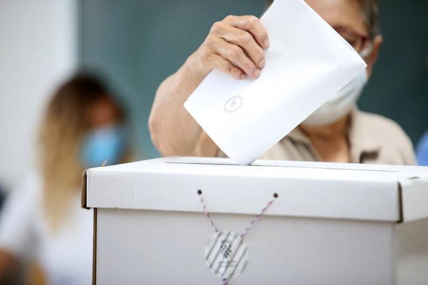 Chorwaci wybierają parlament - równe szanse partii rządzącej i opozycyjnej /Daniel Kasap /PAP/EPA