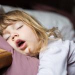 Chrapanie u dzieci może pogarszać wyniki w nauce