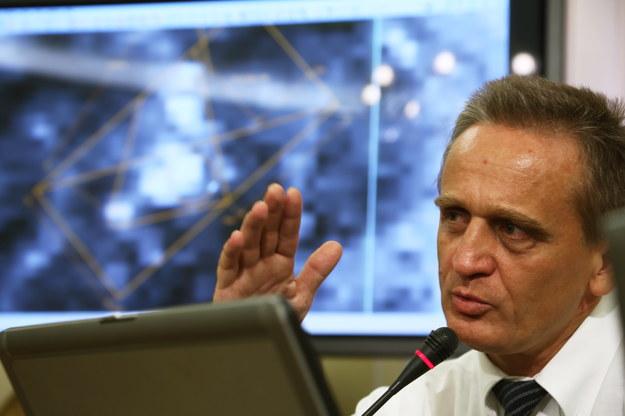 Chris Cieszewski nie ma wątpliwości, że brzoza była złamana 5 kwietnia lub wcześniej /Tomasz Gzell /PAP
