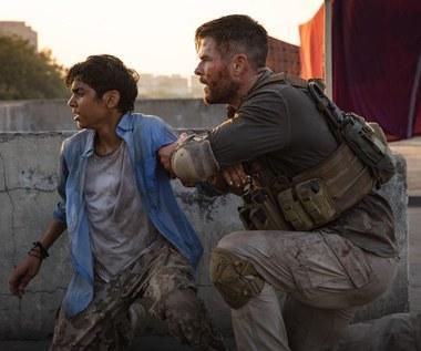 Chris Hemsworth mentorem 16-letniego kolegi z planu