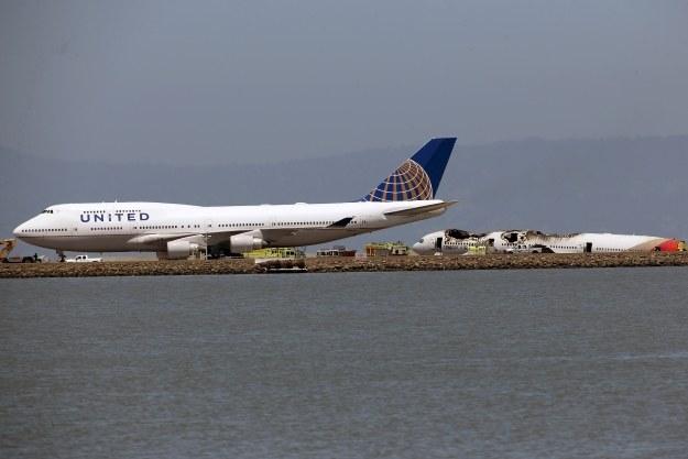 Chris Roberts może mieć problemy z podróżowaniem na pokładach samolotów linii United /AFP