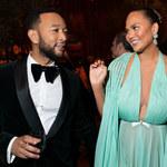 """Chrissy Teigen jest w ciąży. John Legend prezentuje rodzinny teledysk """"Wild"""""""