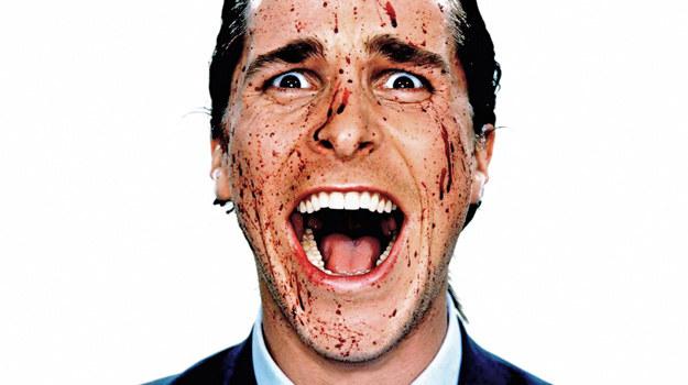 """Christian Bale jako Patrick Bateman w filmowej wersji """"American Psycho"""" /materiały prasowe"""