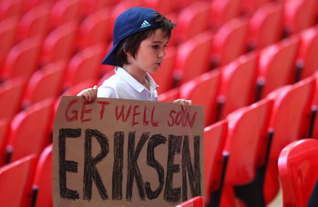 Christian Eriksen nadal przebywa w szpitalu w Kopenhadze /Catherine Ivill /PAP/EPA