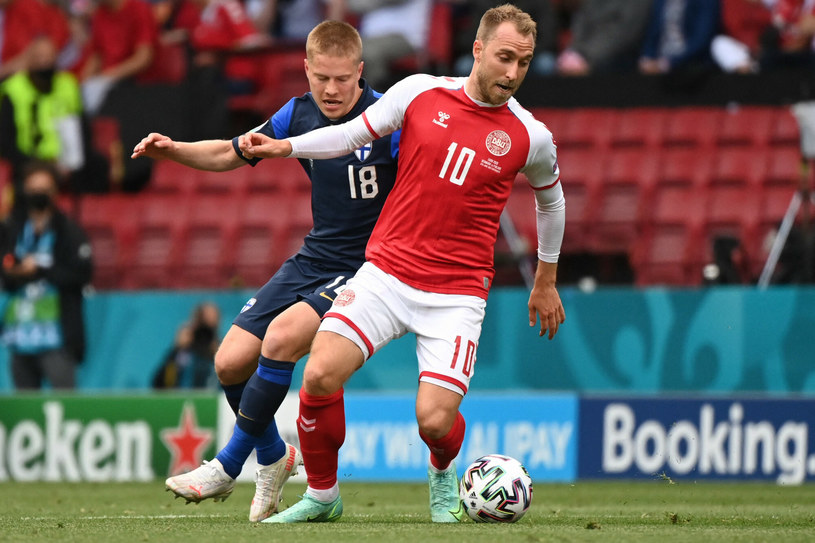 Christian Eriksen w trakcie meczu z Finlandią w finałach Euro 2020 /JONATHAN NACKSTRAND/AFP/East News /East News