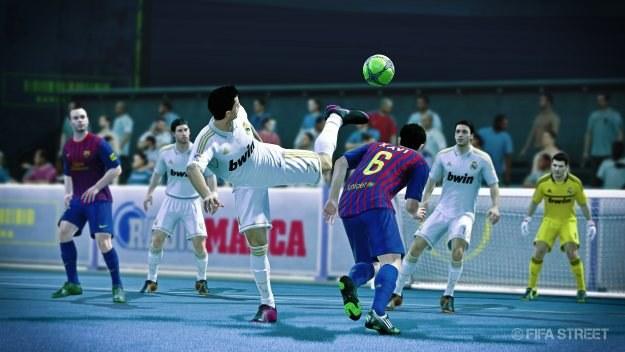 Christiano Ronaldo to Chuck Norris piłki nożnej. Kopniak z półobrotu i piękna bramka murowana! /Informacja prasowa