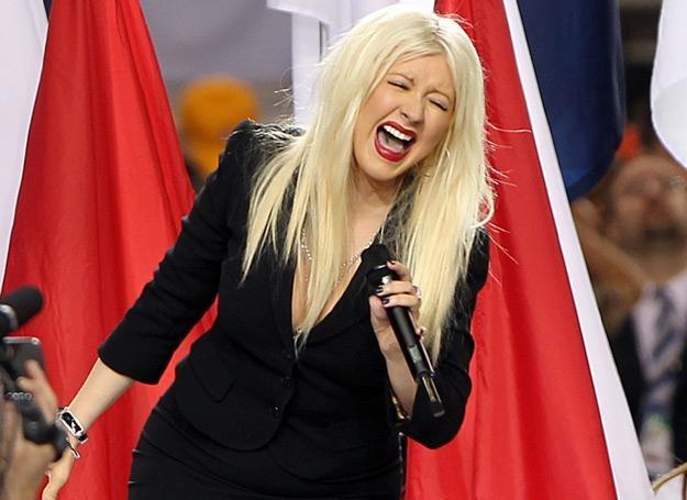 Christina Aguilera zaliczyła wpadkę podczas śpiewania hymnu - fot. Christopher Polk /Getty Images/Flash Press Media
