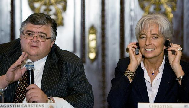 Christine Lagarde (P) i Agustin Carstens (L) /AFP