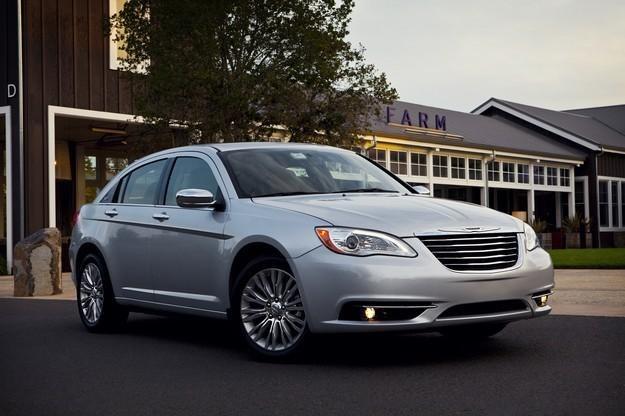 Chrysler 200, czyli lacia flavia /