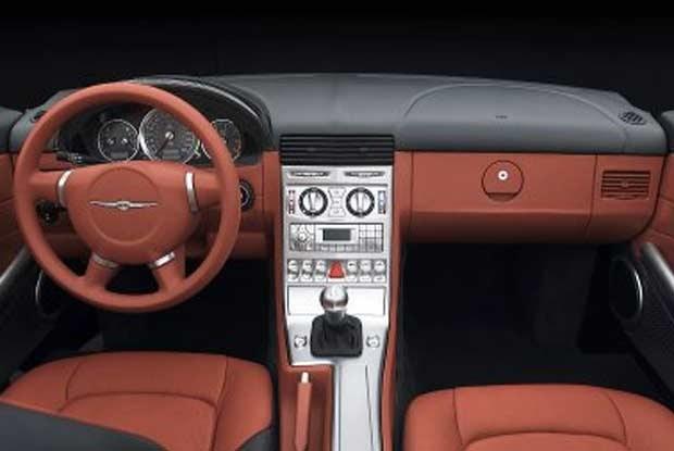 Chrysler Crossfire - wnętrze (kliknij) /INTERIA.PL