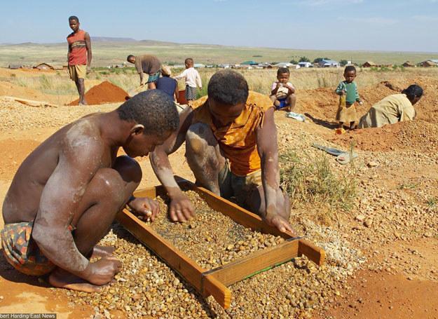 Chrześcijanie i muzułmanie starają się przyciągnąć do siebie wyznawców tradycyjnych religii afrykańskich/ Madagaskar /Robert Harding /East News