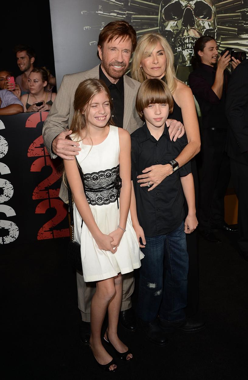 Chuck Norris z żoną, Geną O'Kelly, i dziećmi /Jason Merritt /Getty Images