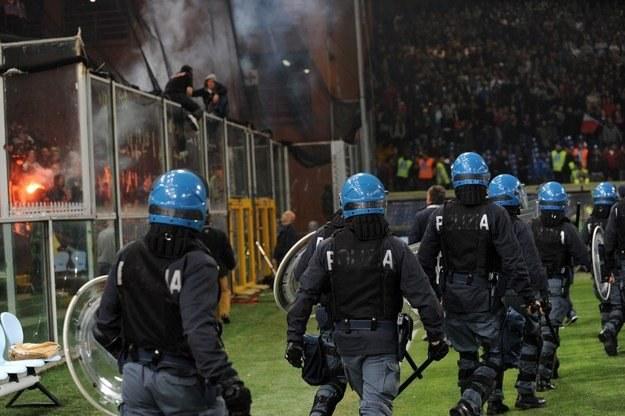 Chuligani z Serbii nie pozwolili rozegrać meczu w Genui /AFP
