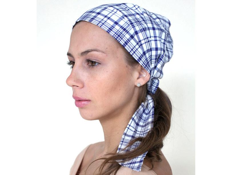 chustka na głowie /© Photogenica