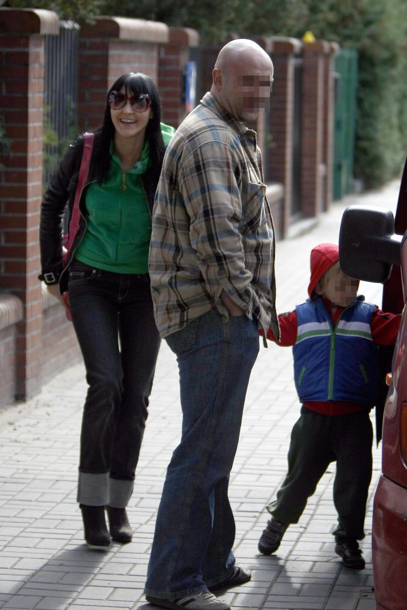 Chylińska z mężem i dzieckiem /Foto IP