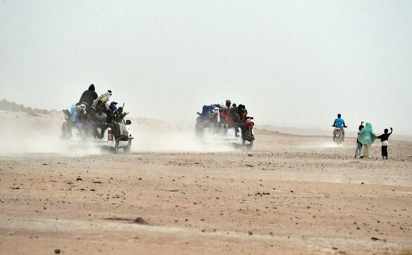 Ciała 34 migrantów znaleziona na pustyni /ISSOUF SANOGO / AFP /AFP
