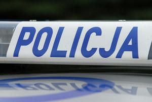 Ciało 57-latka odkryła sąsiadka. Policja szuka zabójcy