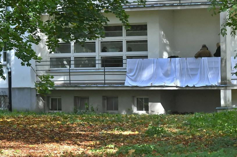 Ciało kobiety znaleziono na balkonie jednego z budynków Akademii Wychowania Fizycznego /Andrzej Lange /PAP