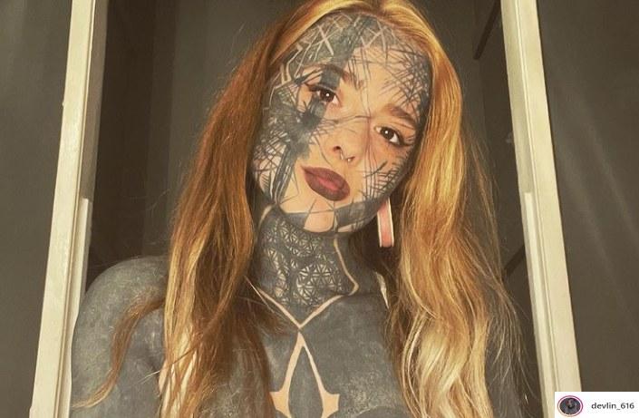 Ciało Nadine Anderson pokryte jest tatuażami w 95 procentach /Instagram