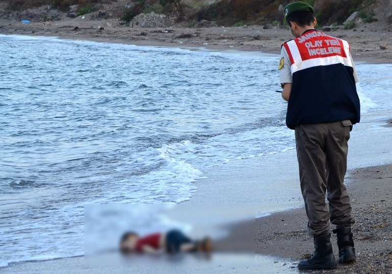 Ciało trzylatka znaleziono na plaży /AFP
