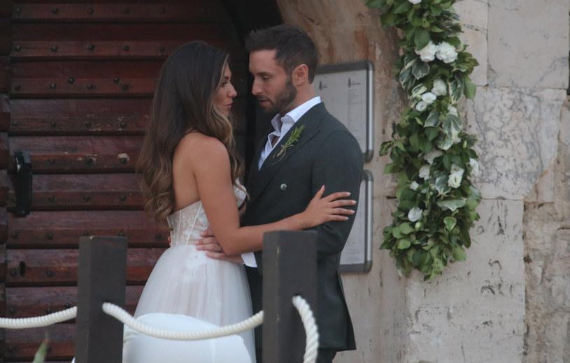 Ciara Janson i Mans Zelmerlow podczas ceremonii ślubnej /Matija Habljak/PIXSELL /Agencja FORUM