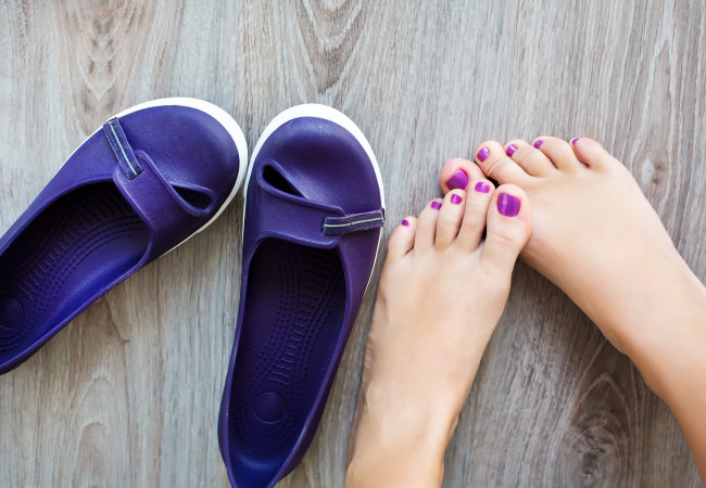 ciasne buty grzybica /© Photogenica