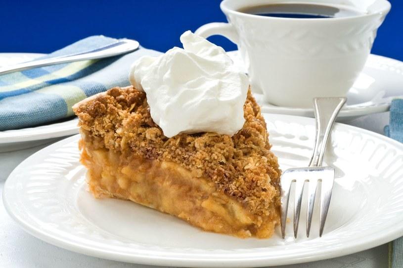 Ciasta z jabłkami mają wielbicieli na całym świecie /123RF/PICSEL