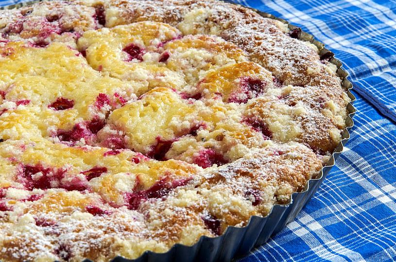 Ciasta z owocami smakują wszystkim /123RF/PICSEL