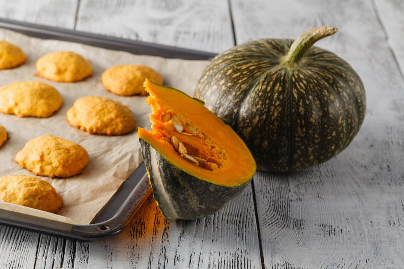 Ciasteczka dyniowe to idealne rozwiązanie na halloweenowy wieczór /123RF/PICSEL