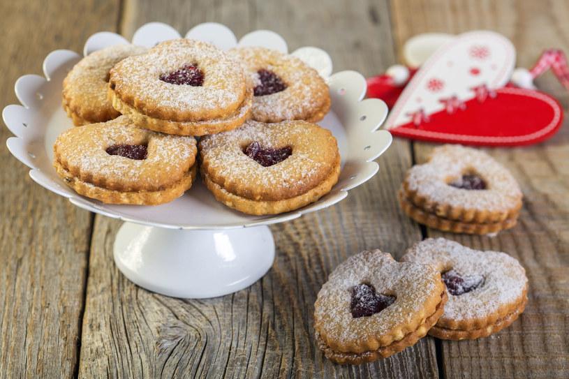 Ciasteczka wiśniowe smakują nie tylko dzieciom /123RF/PICSEL