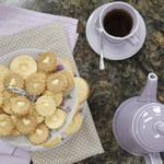 Ciasteczka z dziurką i kremem cytrynowym