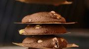 Ciasteczka z kawałkami białej czekolady i orzechami ziemnymi