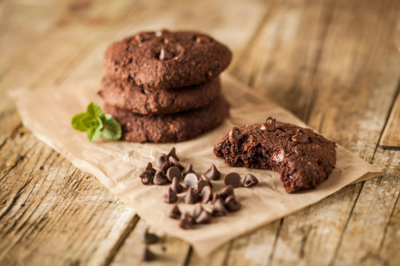 Ciastka czekoladowe /123RF/PICSEL