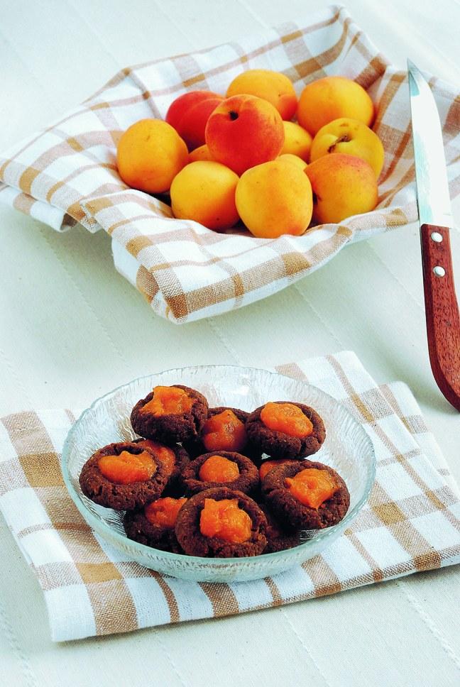 Ciastka jaglane z morelami /materiały prasowe