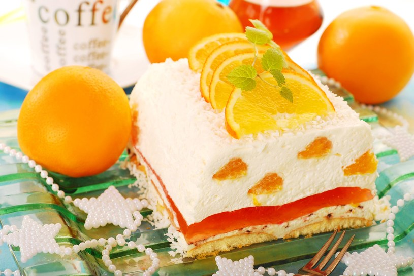 Ciasto cytrusowe /123RF/PICSEL