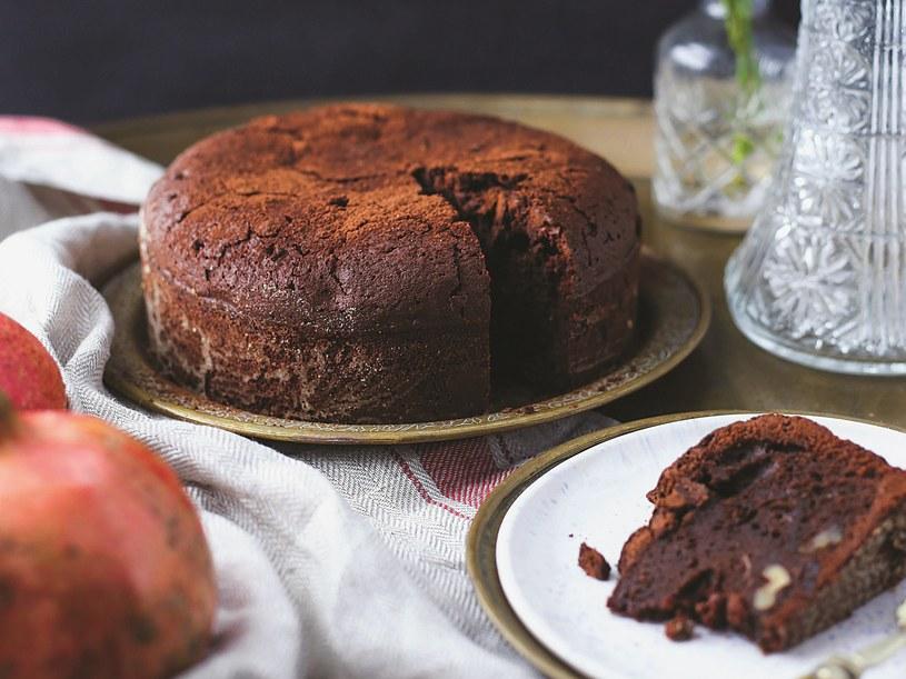 Ciasto czekoladowe z kardamonem /materiały prasowe