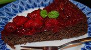 Ciasto czekoladowo-malinowe z miętą