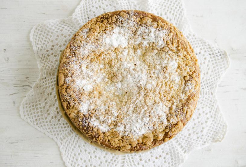 Ciasto drożdżowe z kruszonką od pokoleń cieszy się popularnością /INTERIA.PL