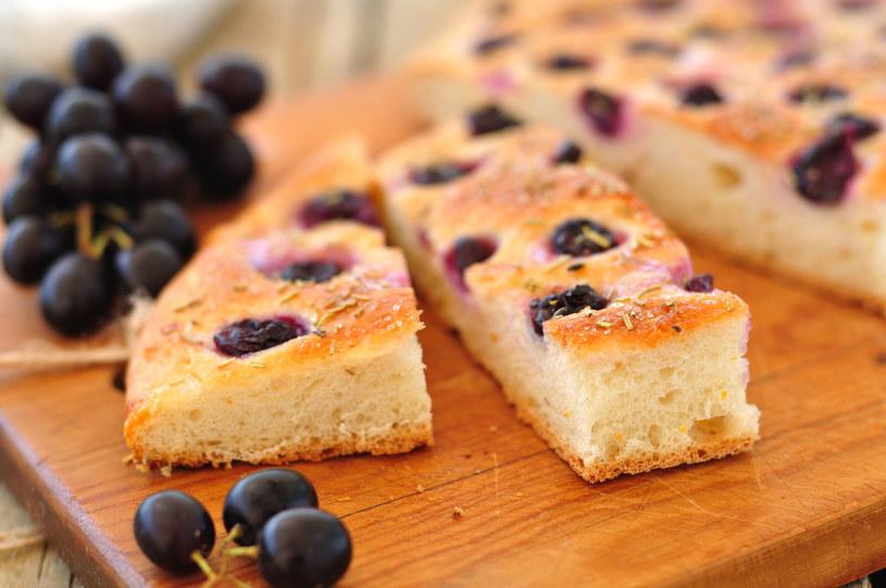 Ciasto drożdżowe z winogronami /123RF/PICSEL