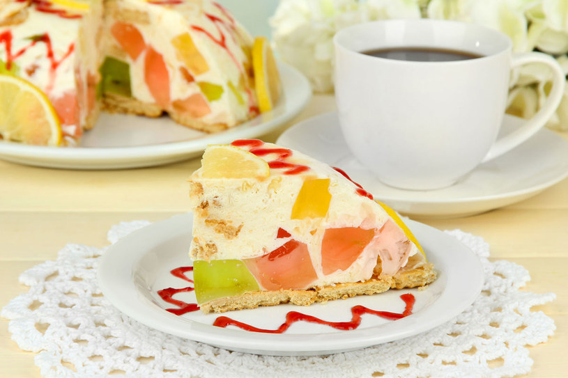Ciasto jogurtowe /123RF/PICSEL