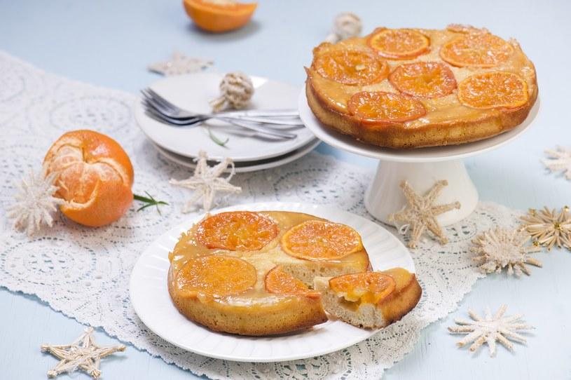 Ciasto mandarynkowe /materiały prasowe