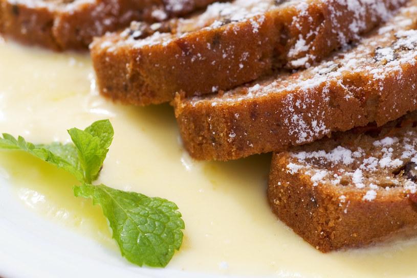 Ciasto marchewkowe /123RF/PICSEL