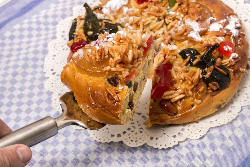 Ciasto można udekorować świeżymi figami /123RF/PICSEL