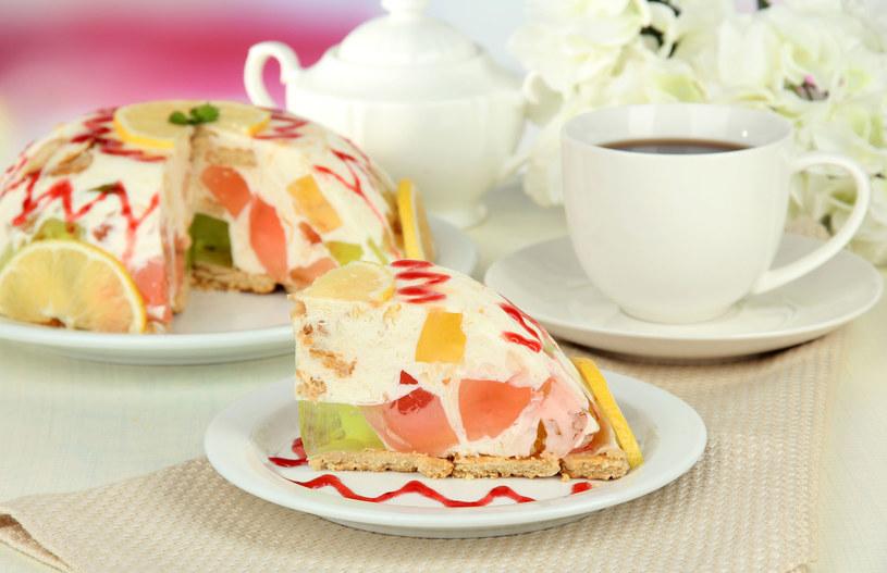Ciasto owocowe /123RF/PICSEL